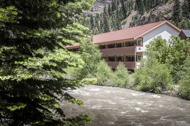 Mountain Lodge & Riverfront